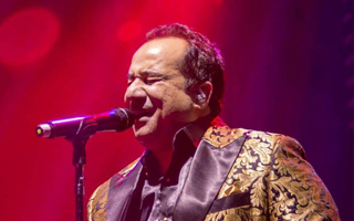 Ustad Rahat Fateh Ali Khan returns to De Montfort Hall for one night only in what promises to be the most intimate concert in The Tribute Tour. 2017 marks the 20th year since the death of Ustad Nusrat Fateh Ali Khan. Regarded as the greatest singer in the genre of Qawali, Ustad Nusrat Fateh Ali Khan brought the modest form of devotional singing to international attention. He collaborated with and influenced countless musicians. His nephew, Rahat Fateh Ali Khan, is proof that the apple doesn't fall far from the tree. There is the same clear, ringing voice, with that slight bit of gravel rasping at its edge, just like Nusrat. Rahat shines at classic Qawali, the Sufi devotional music made famous by his uncle, even though he has brought the house down in India's thriving, immensely popular Bollywood industry, lending his voice to dozens of projects. His Leicester appearance is one you shouldn't let pass by as the protégée pays tribute to his mentor.